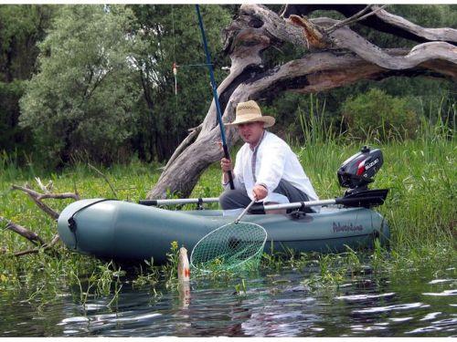 Ловля форели в лодке