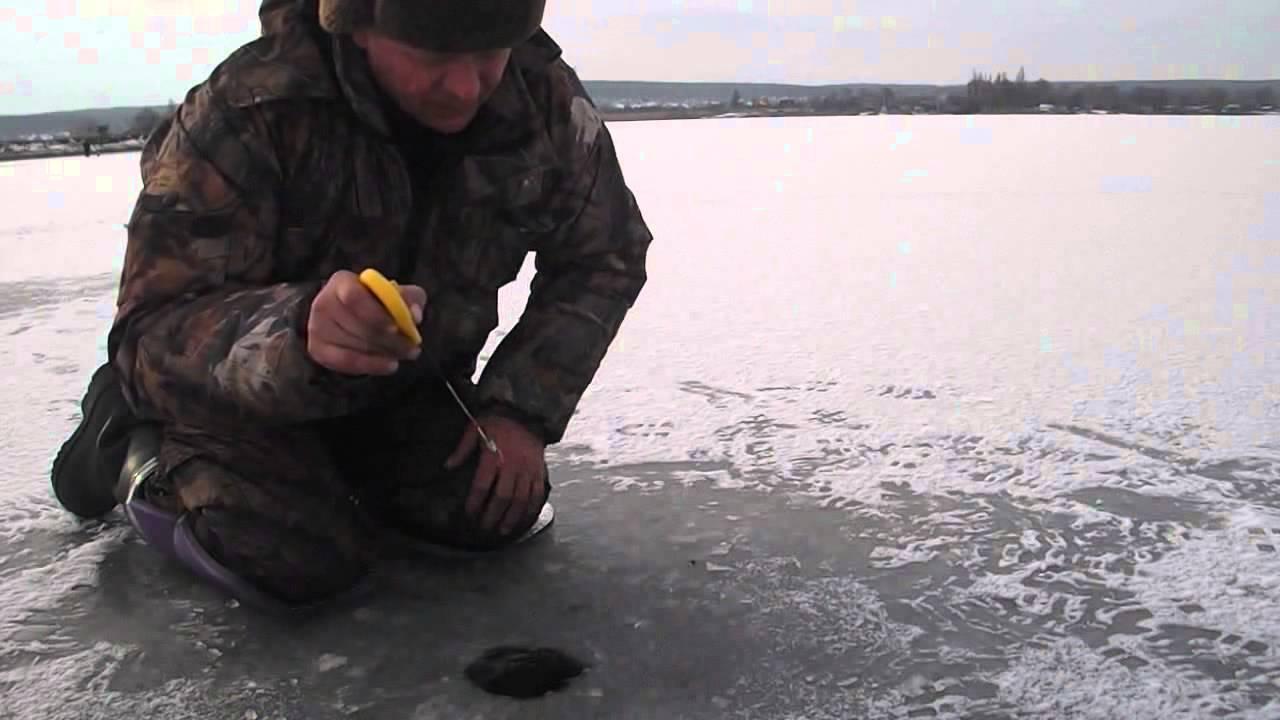 Зимняя рыбалка по первому льду. Старый Салтов 2015/2016