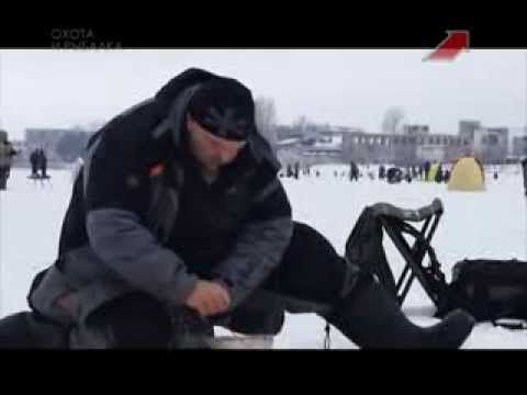 Зимняя рыбалка на подледный фидр на реке