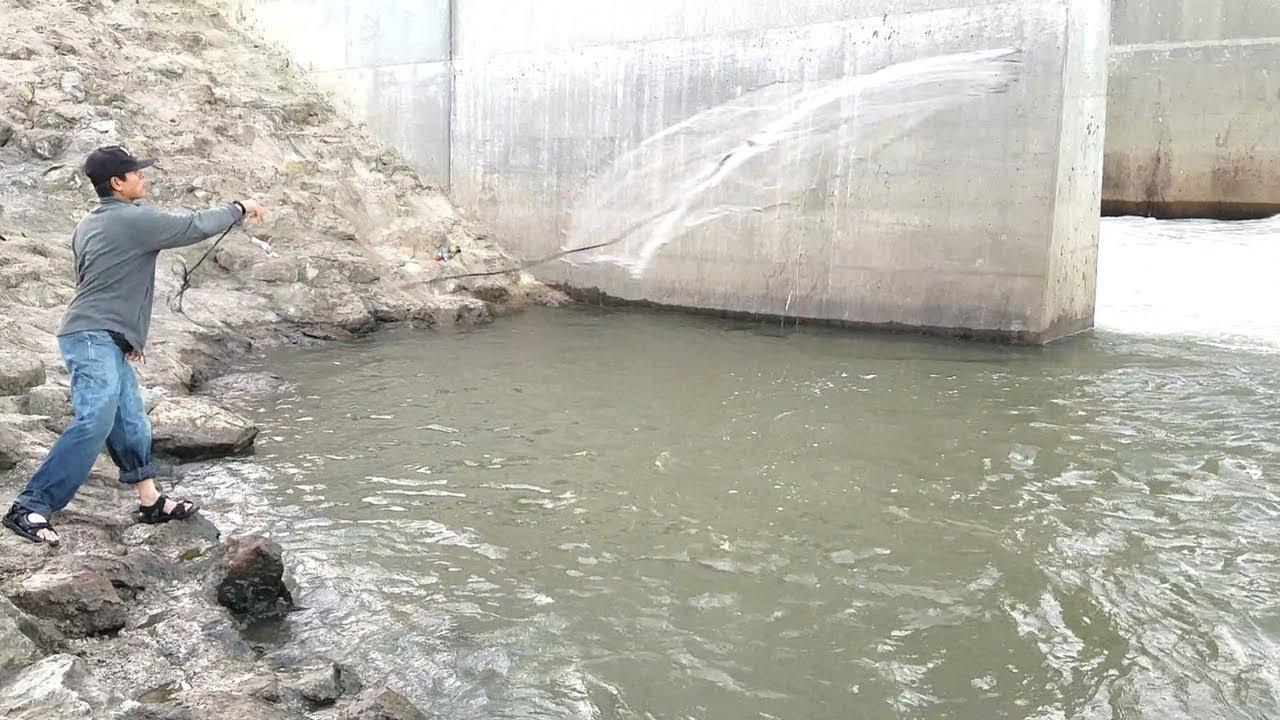 Cast Net Fishing in Spillway. EP 27