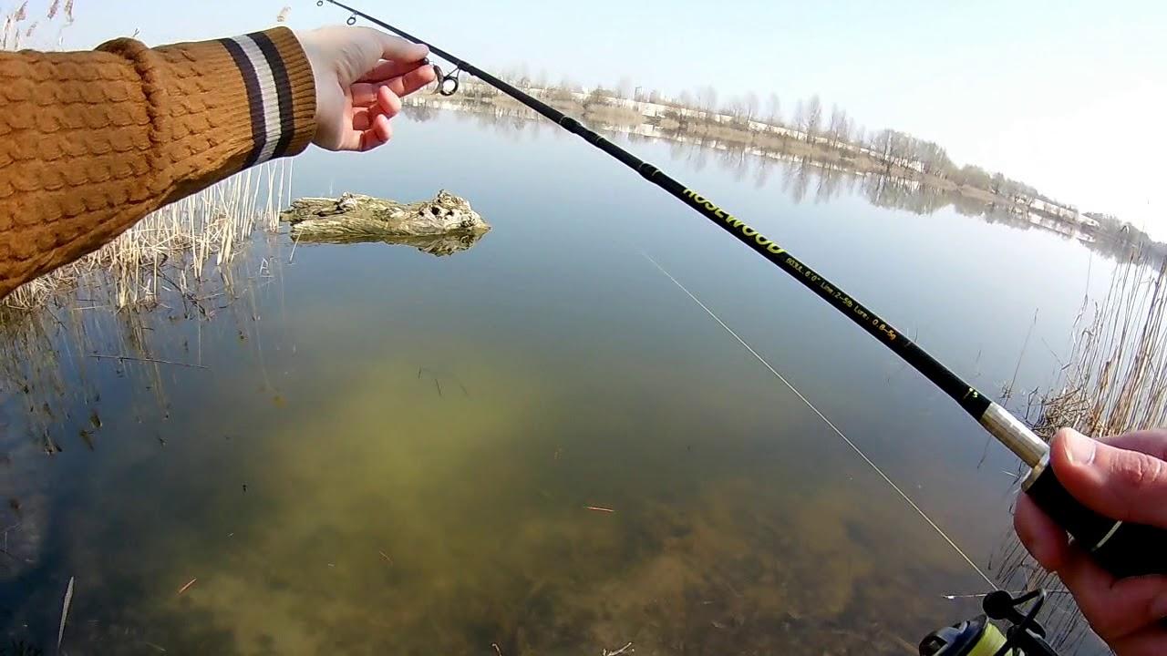 На  рыбалке без лифчика мала