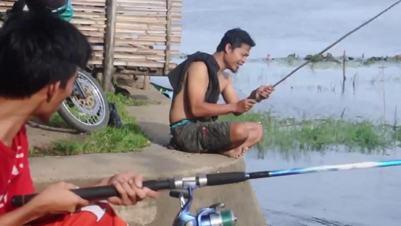 stupid fishing, crazy angler