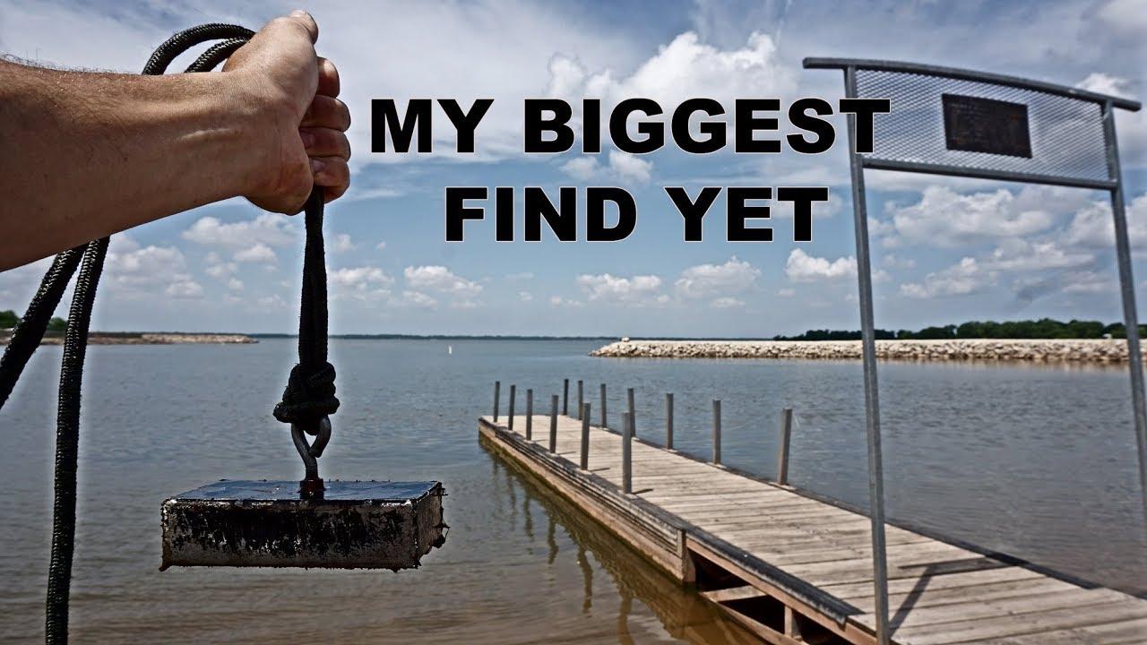 MAGNET FISHING BOAT DOCKS FOR BIG TREASURE
