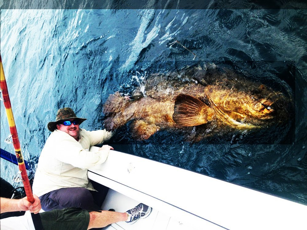 EPIC EXTREME FISHING — BIG MAN CATCHES BIG FISH — FISHING BIG FISH FLORIDA