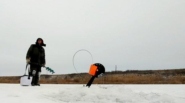 Первый лед 2019! Рыбалка на щуку — Жерлицы и блесна!